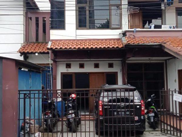 Jual Rumah Bonus Kost an Lokasi Strategis Di Bbk. Jeruk Dekat Universitas Maranatha Bandung